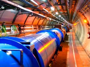 Las partículas viajan, en una órbita perfectamente centrada, por este enorme túnel.